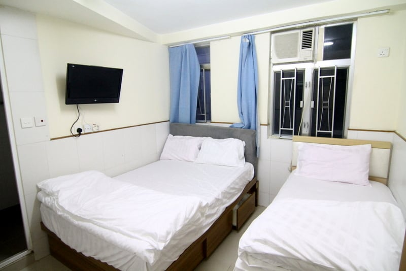 Jordan Room for 3, next to MTR, 6F3