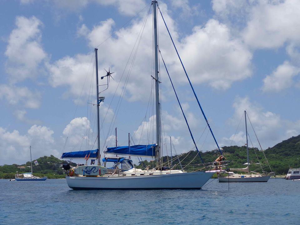 S/V Lunacy 42 ft ketch Grenadines