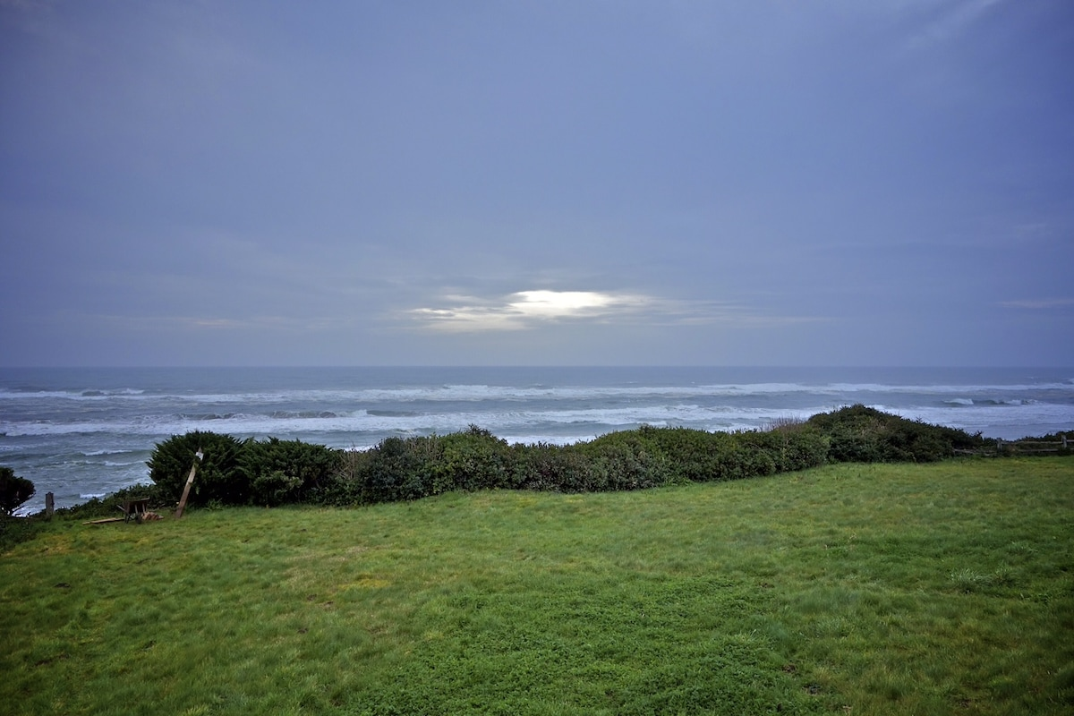 Ocean Front Cottage, Yachats, OR