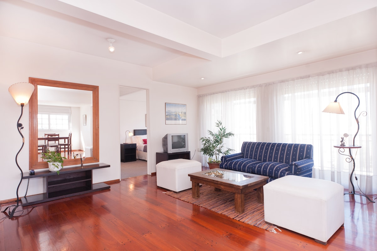 RECOLETA 2br-80m2 with a View!