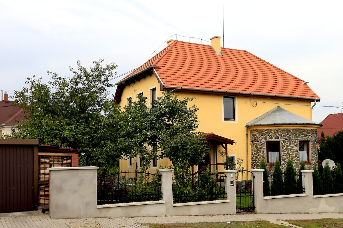 Two-room apartman with garden and p