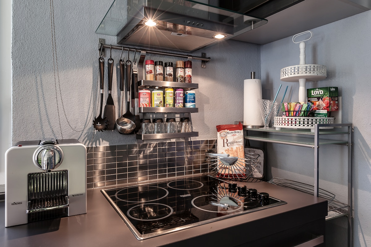 Full m Kitchen - enjoy some coffee, tea or prepare a meal