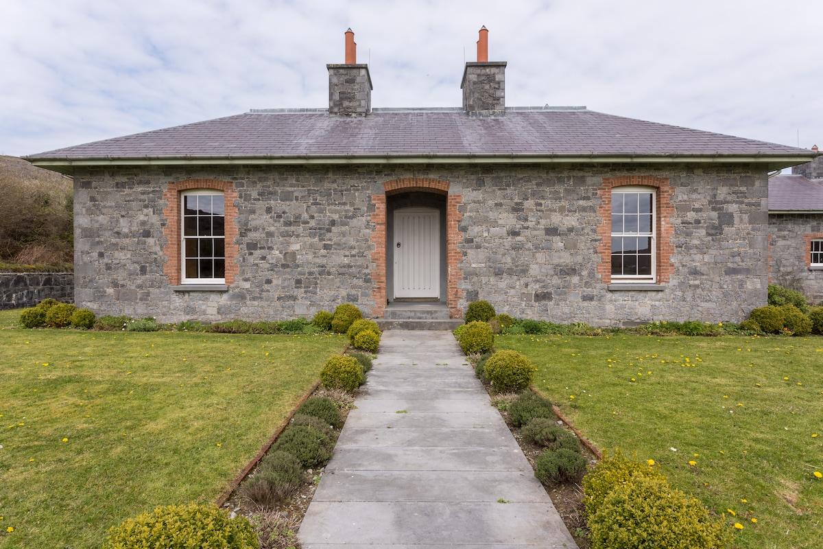 Secluded Burren Lodge Sleeps 10