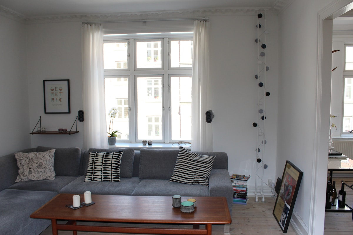4 rooms,96m2/1035ft2,best location!