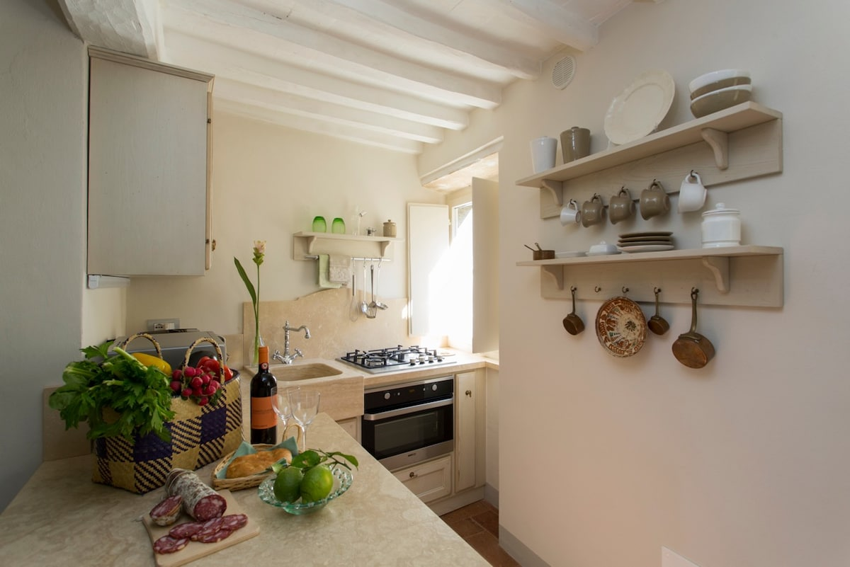 A bright kitchen with everything you need
