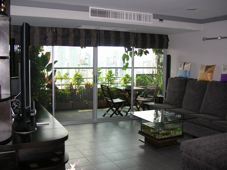Lounge Area - Full Windows with tinting solar UV protection and blinds