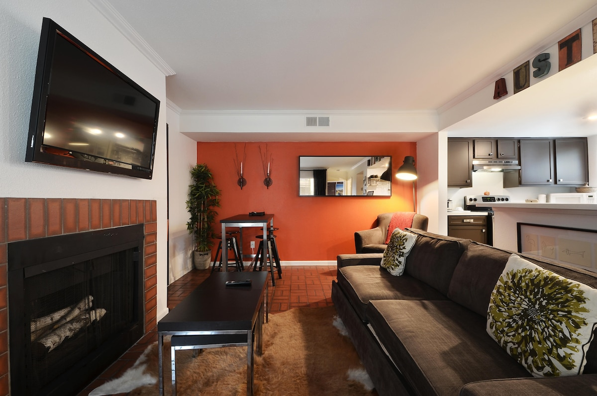 We have plenty of seating in the living space-- your choice of table, chairs or cozy couch