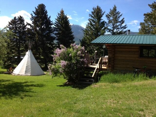 Gateway Ranch- Upper Cabin