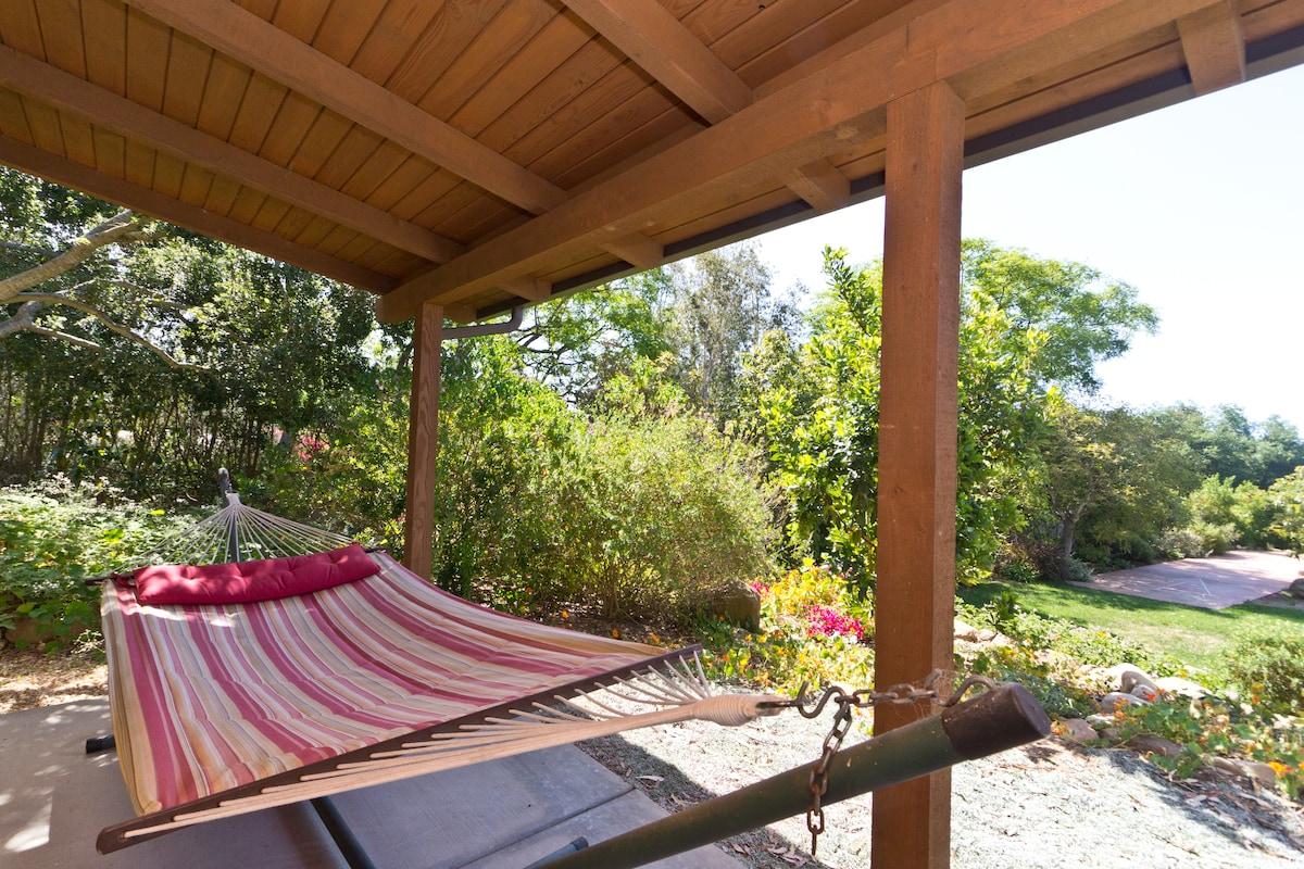 Quiet, Romantic Montecito Cottage