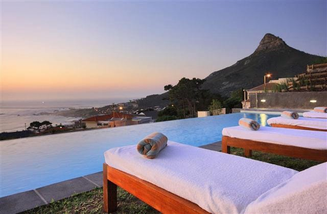 Modern luxurious sea view apartment