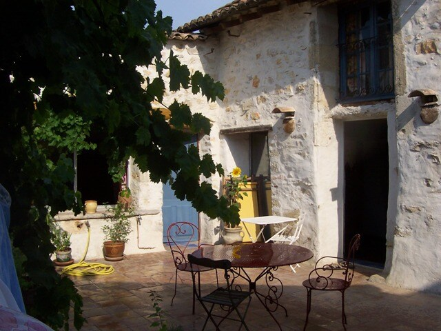 House between Cévennes and Luberon