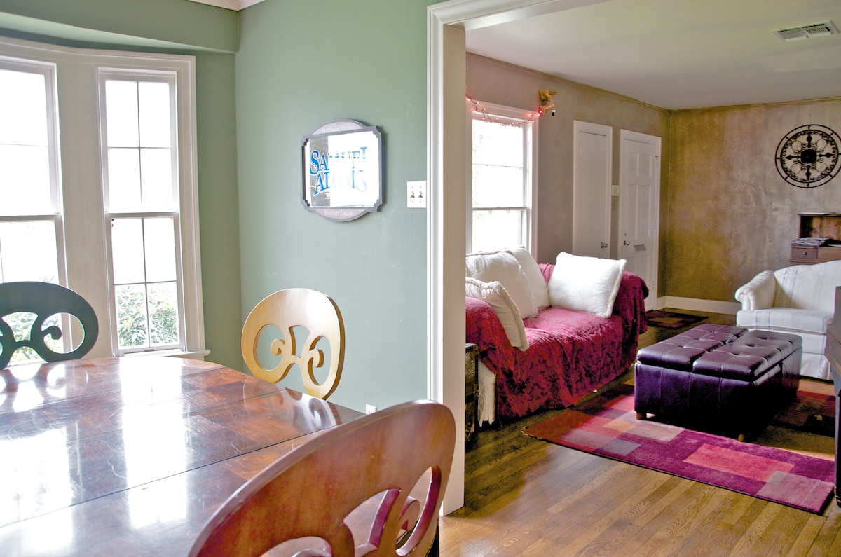 Big, Colorful 3BD great for groups