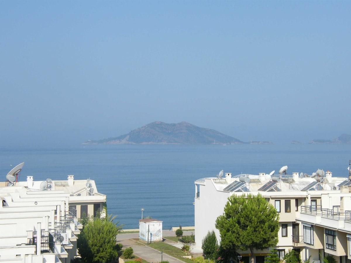 Penthouse Sahil-50 mt.from beach
