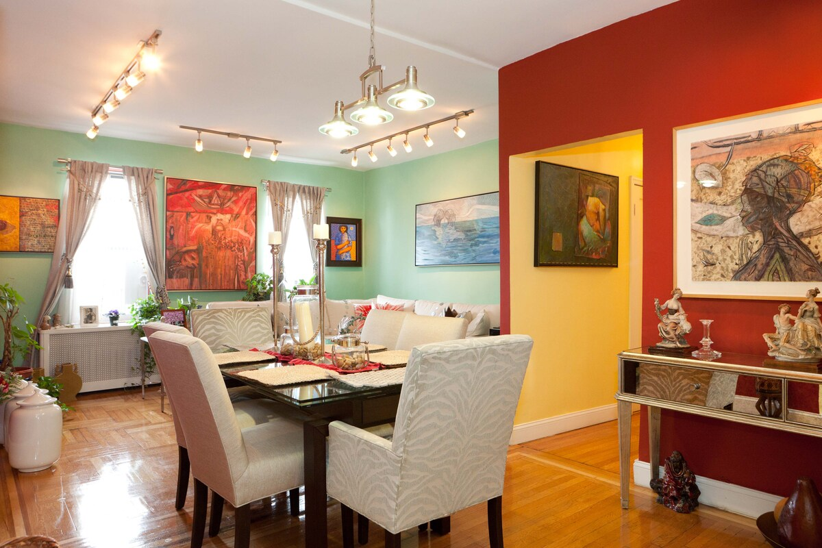 Cozy private room in beautiful apt
