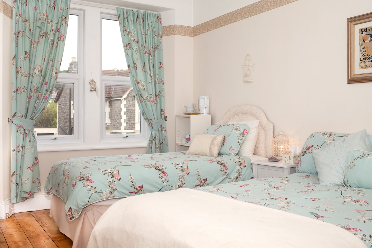 Rooms in Victorian Seaside Town