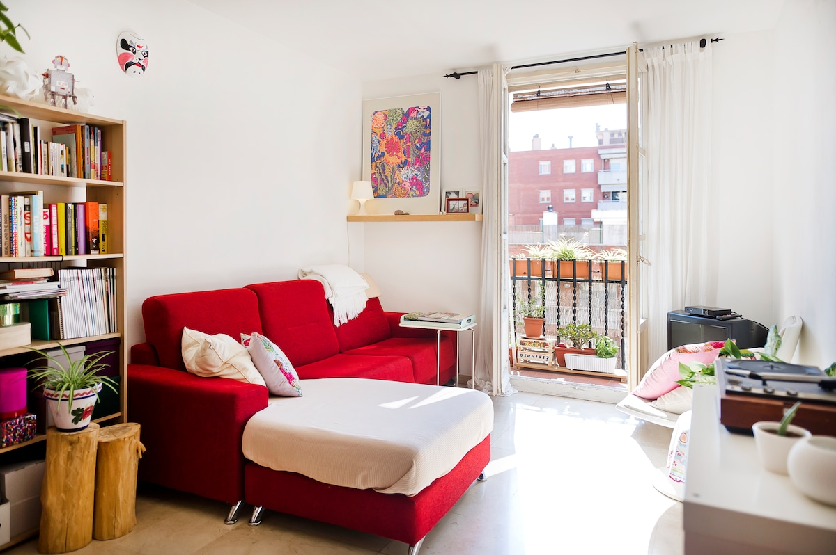 Sunny and cozy apt. in Poble Sec