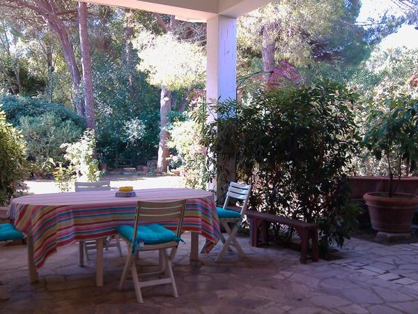 Veranda e giardino, mare e pineta