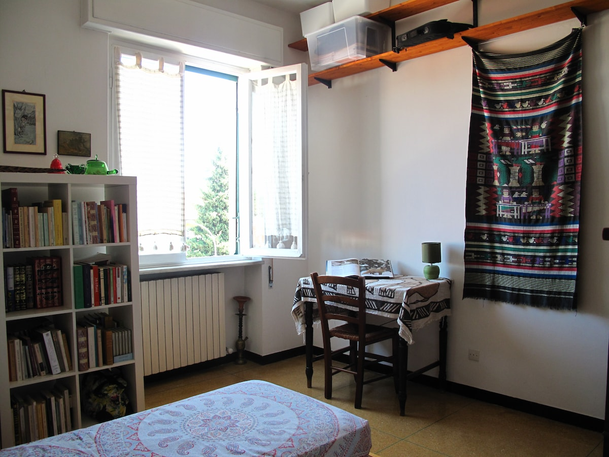 cosy and birght single room Lucca