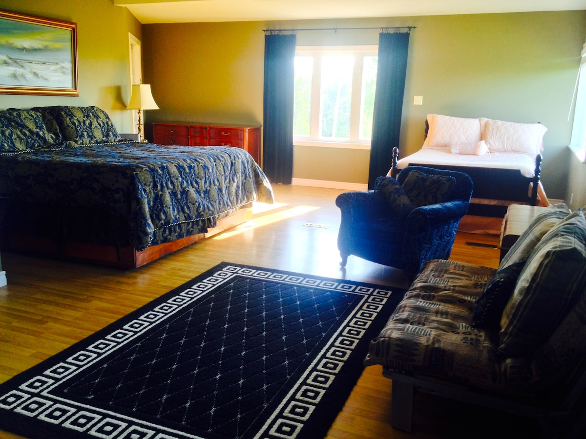 At 500 sq. ft, the Panorama Suite is spacious, comfortable, private, and boasts one of the best views in the area!