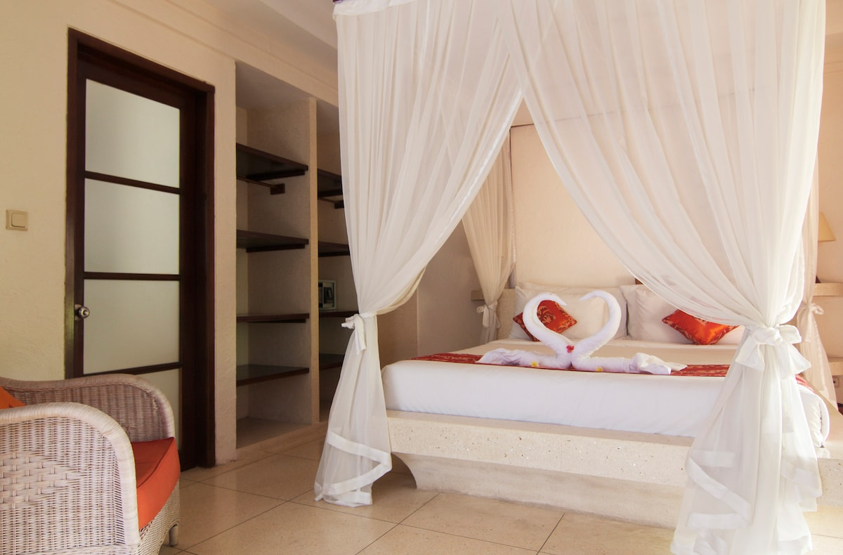 Every bedroom has it's own en suite and wardrobe and safety box.
