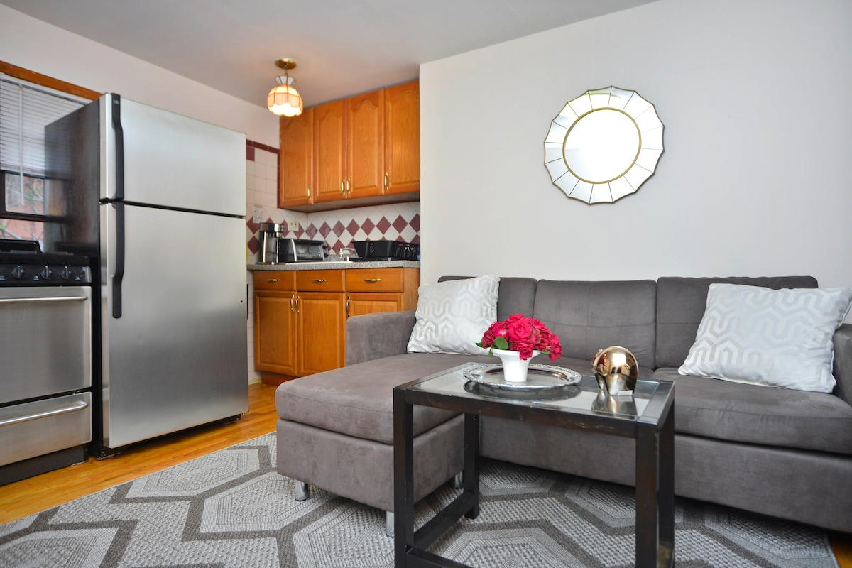 Private Apt in Trendy Cobble Hill