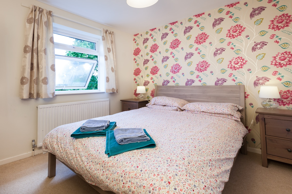 Comfortable double in family home