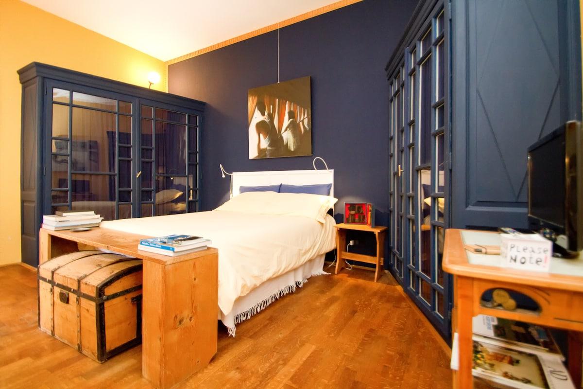 Superior charming room in villa