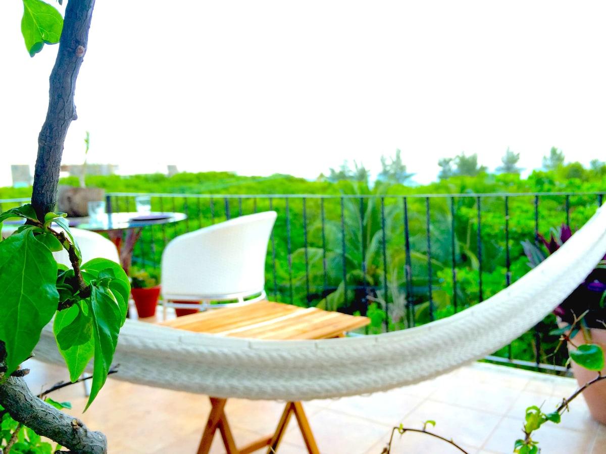 Penthouse Seaview Studio w/pool