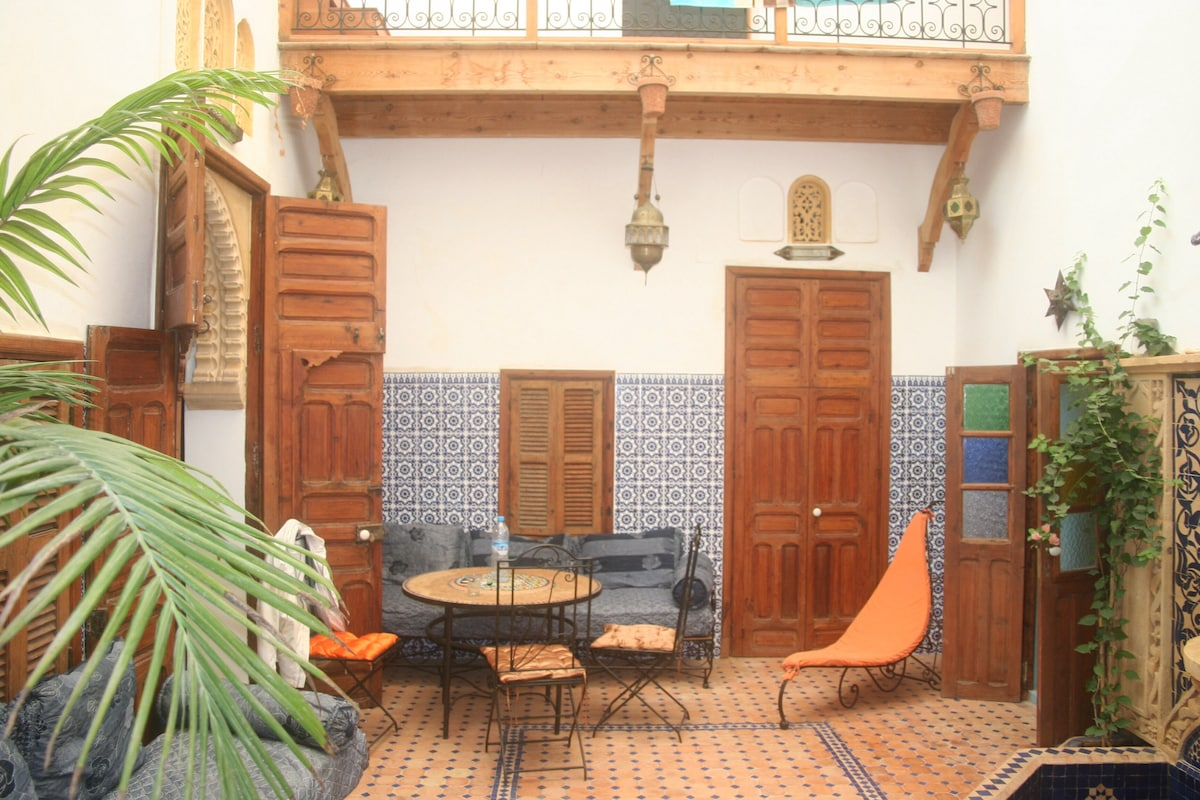 Riad between see and medina