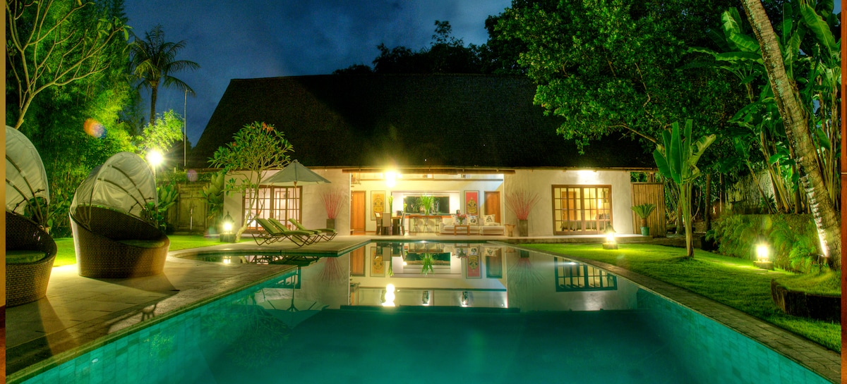 5 bedroom with private swming pool