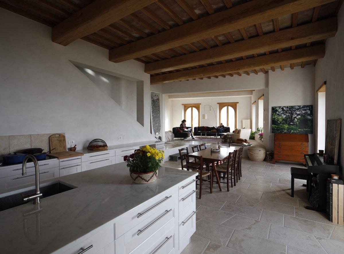 Elegant stone casa 1 hour from Rome