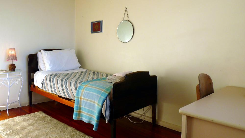 Huia - Single Room with views