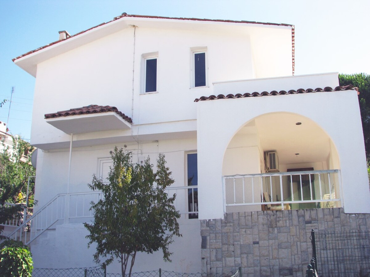 Villa 80 mt to the sea Ildır Cesme
