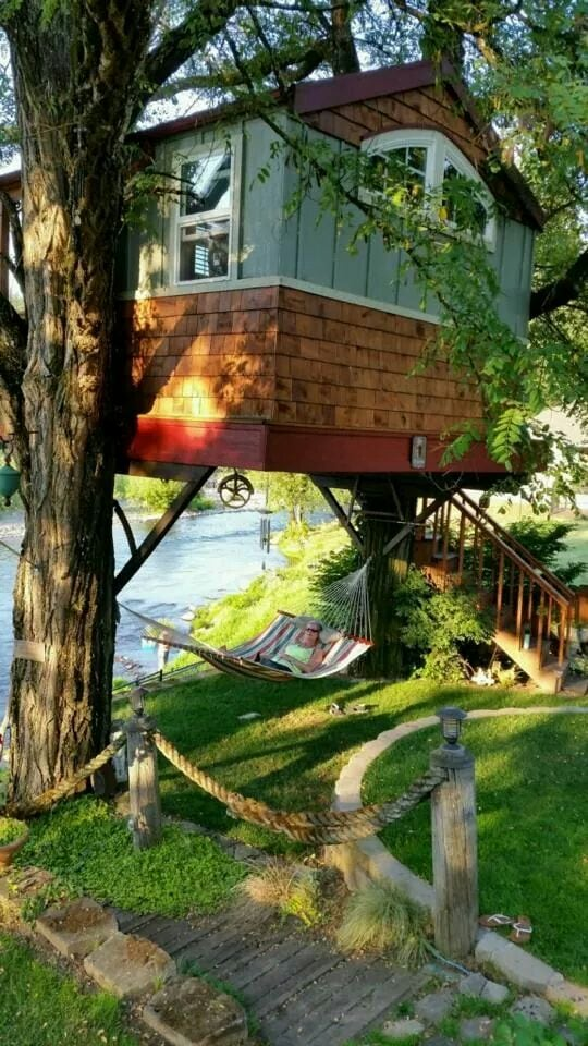 Washougal Riverside Treehouse