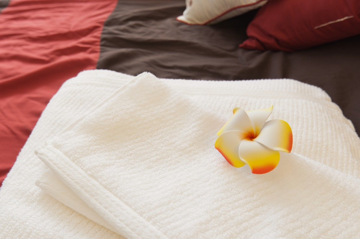 100% cotton towels for each guest. There are more towels in the drawers for your convenience.