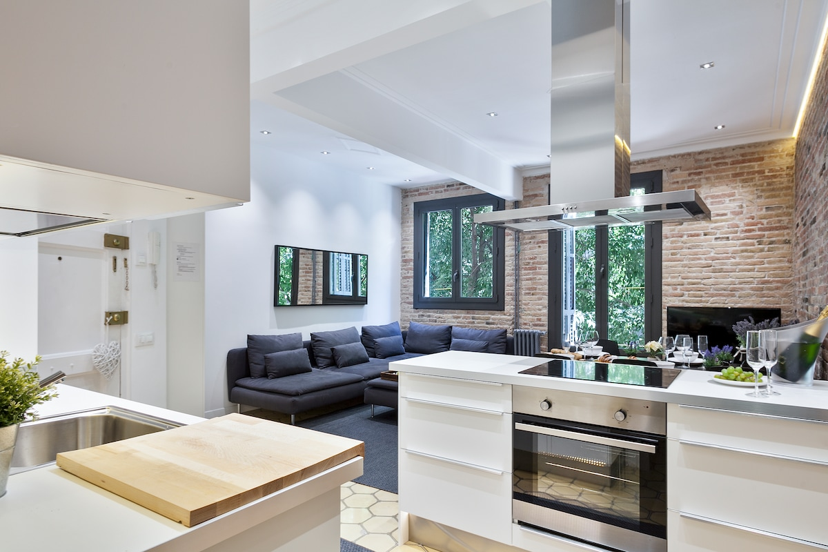 Charming and Central Apartment