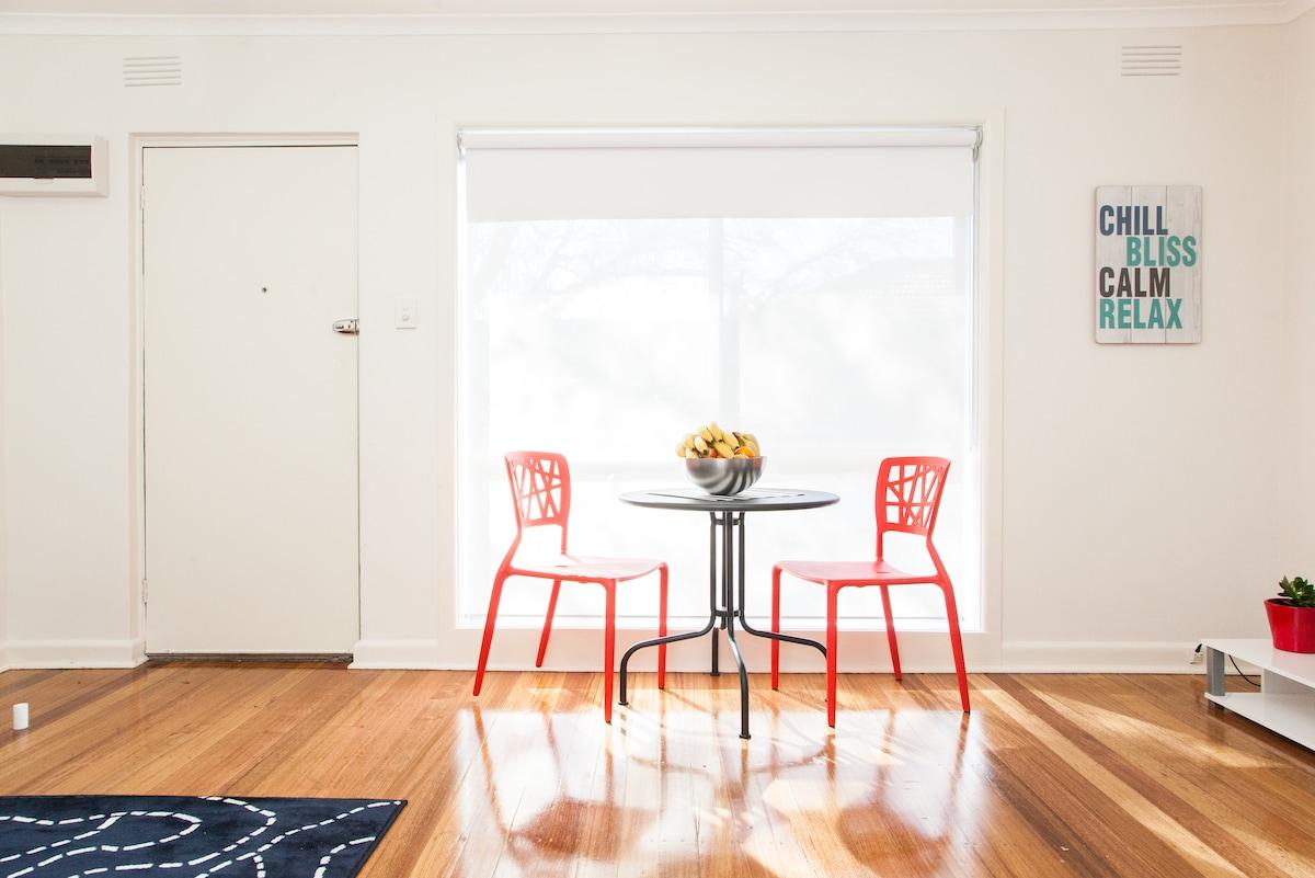 Cosy Apartment in Ormond, Melbourne