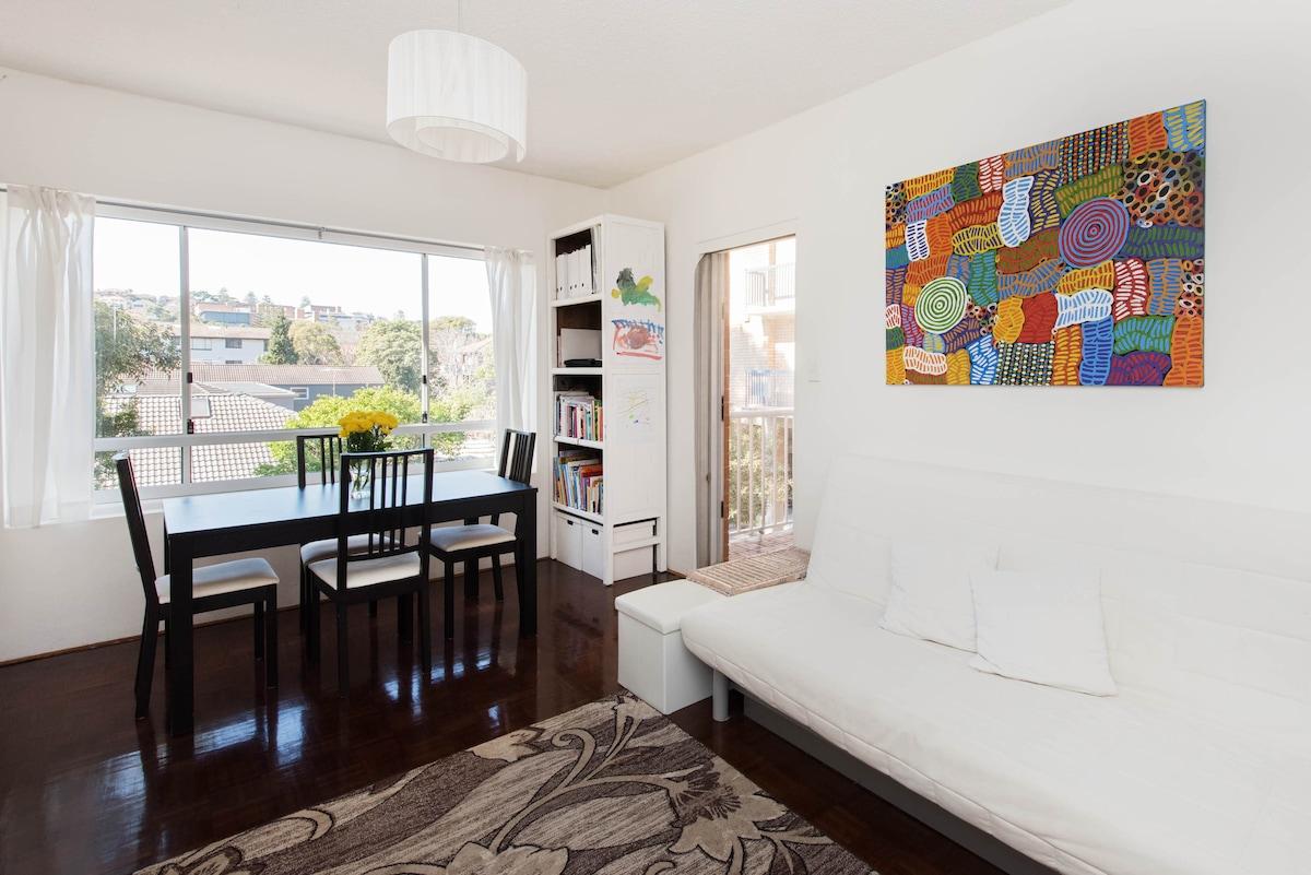 Bright apartment near Bondi Beach