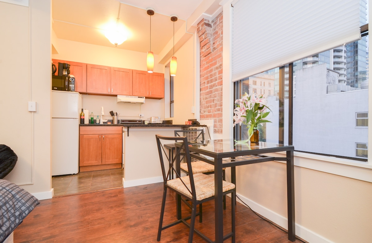 Downtown Apt by Westlake Pike Place