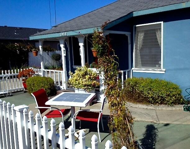 WestSide Beach Cottage!