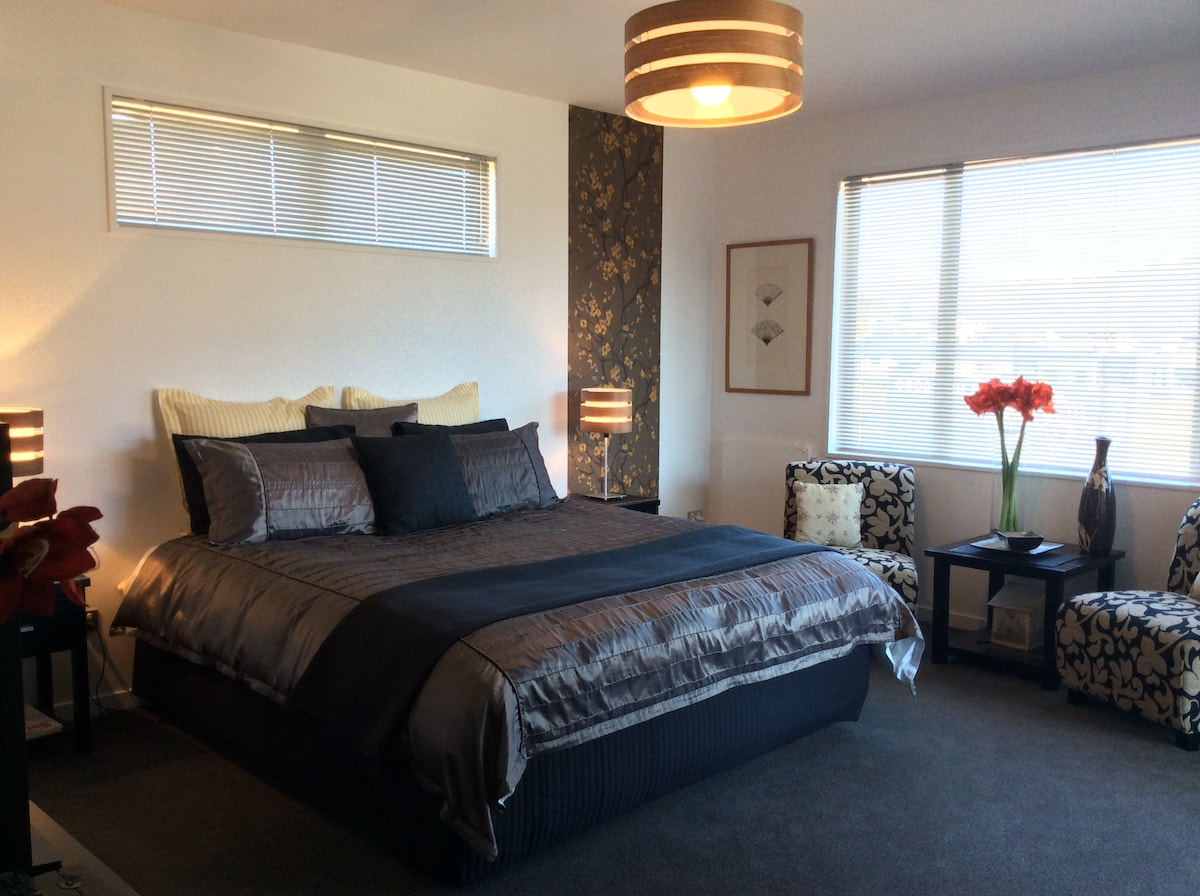 Suite Room on 33