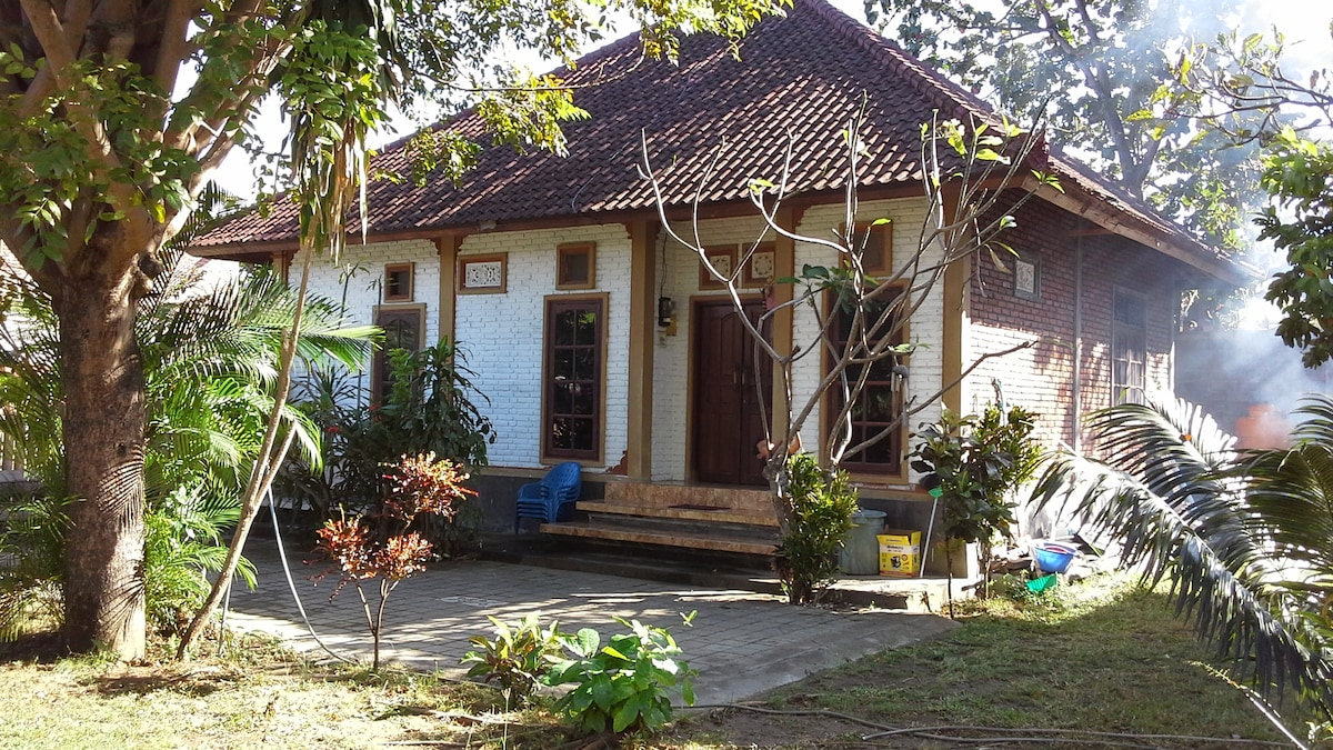 2BR house kuta, perfect location