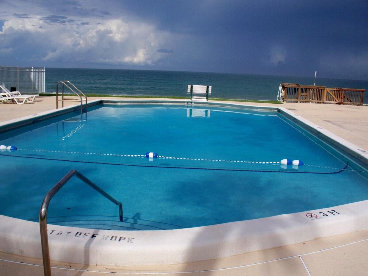 Renovated w/ocean view