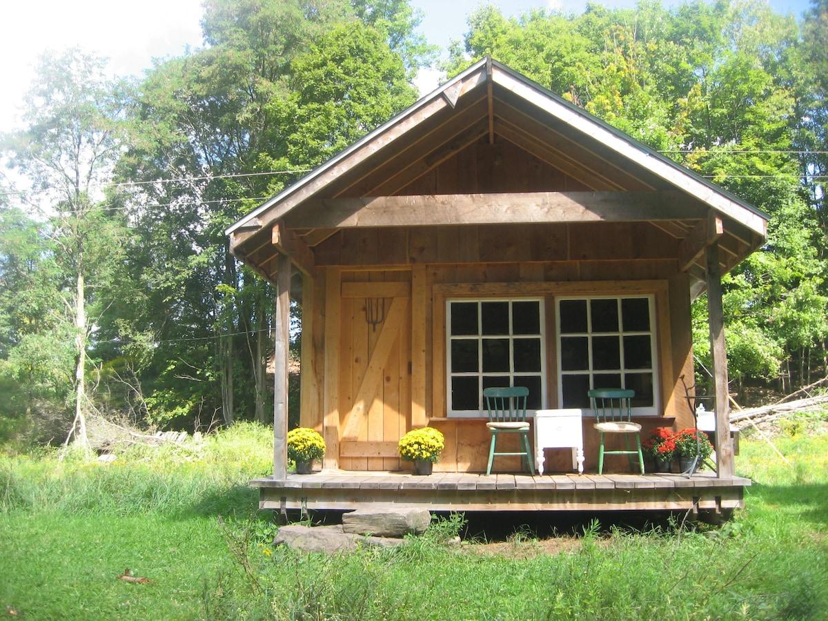 Catskills FarmHand Cabin on Farm
