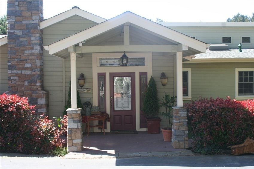 Wine Country Home on 2 acre orchard