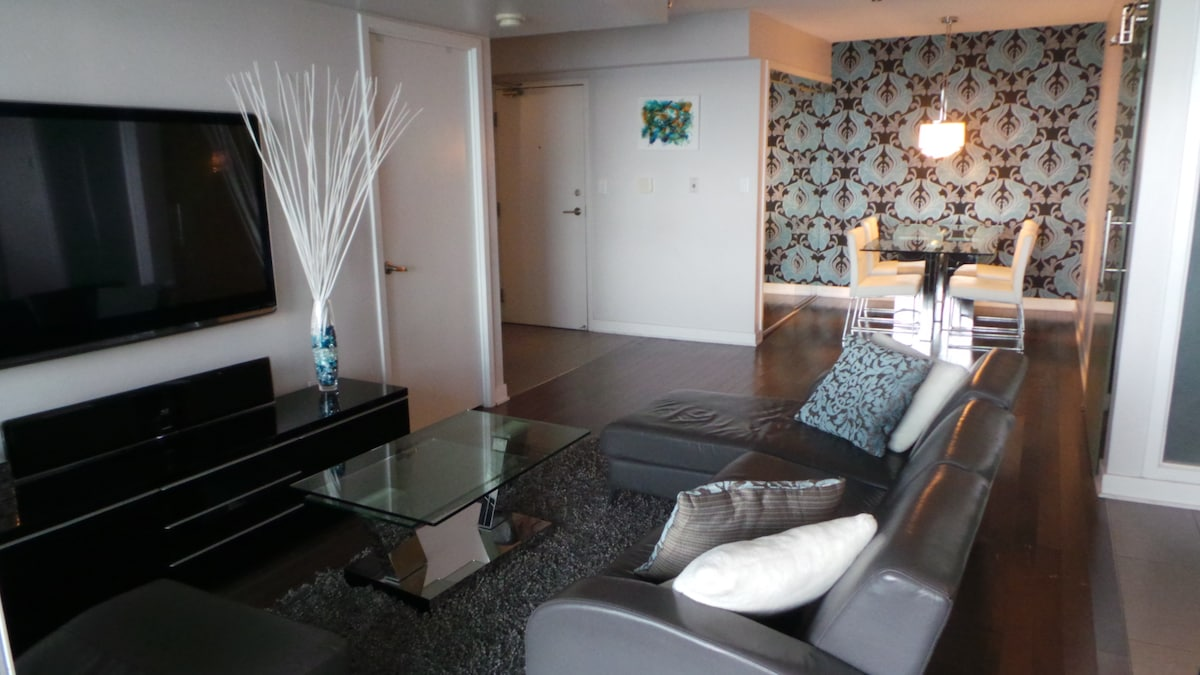 Luxury 2Bed 2Bath LakeView DTown