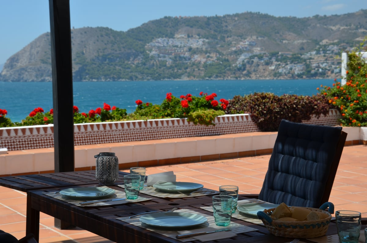 Luxury apartment in La Herradura