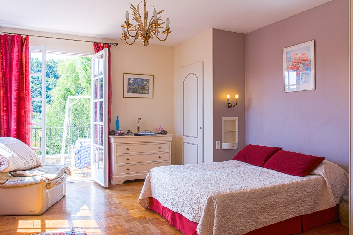 Vence, 2 large bedrooms, 1-4pers