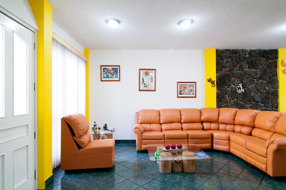 Comfy & Spacious Room in Mexico City