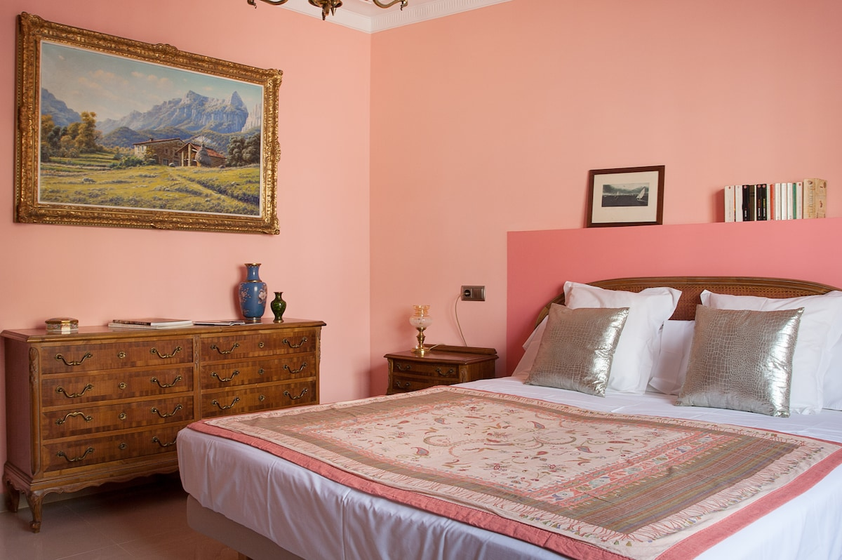 Very nice double room in the center